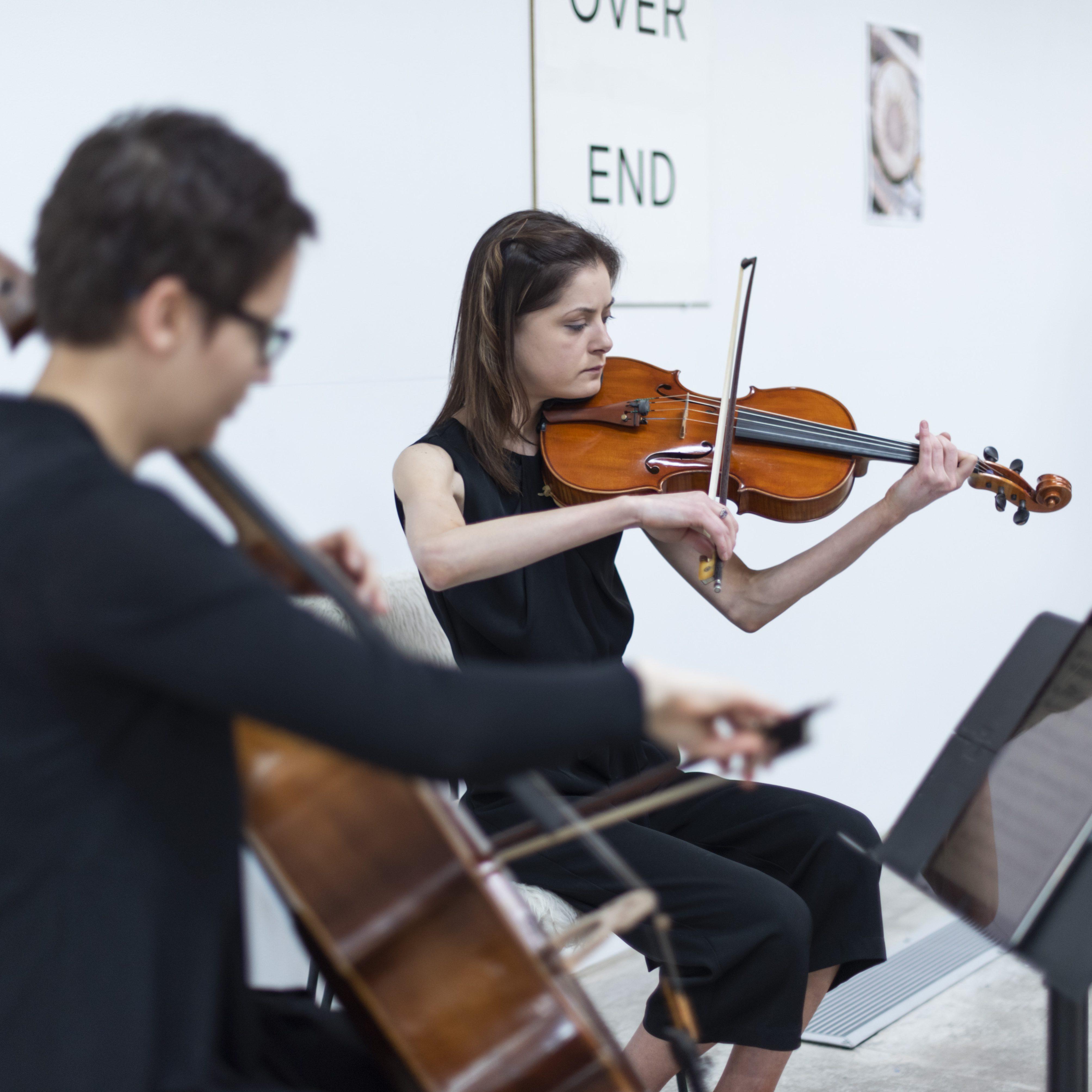 Julia Janiszewski, cello, and Alina Zamfir, viola, inaugural Kingsland Residents